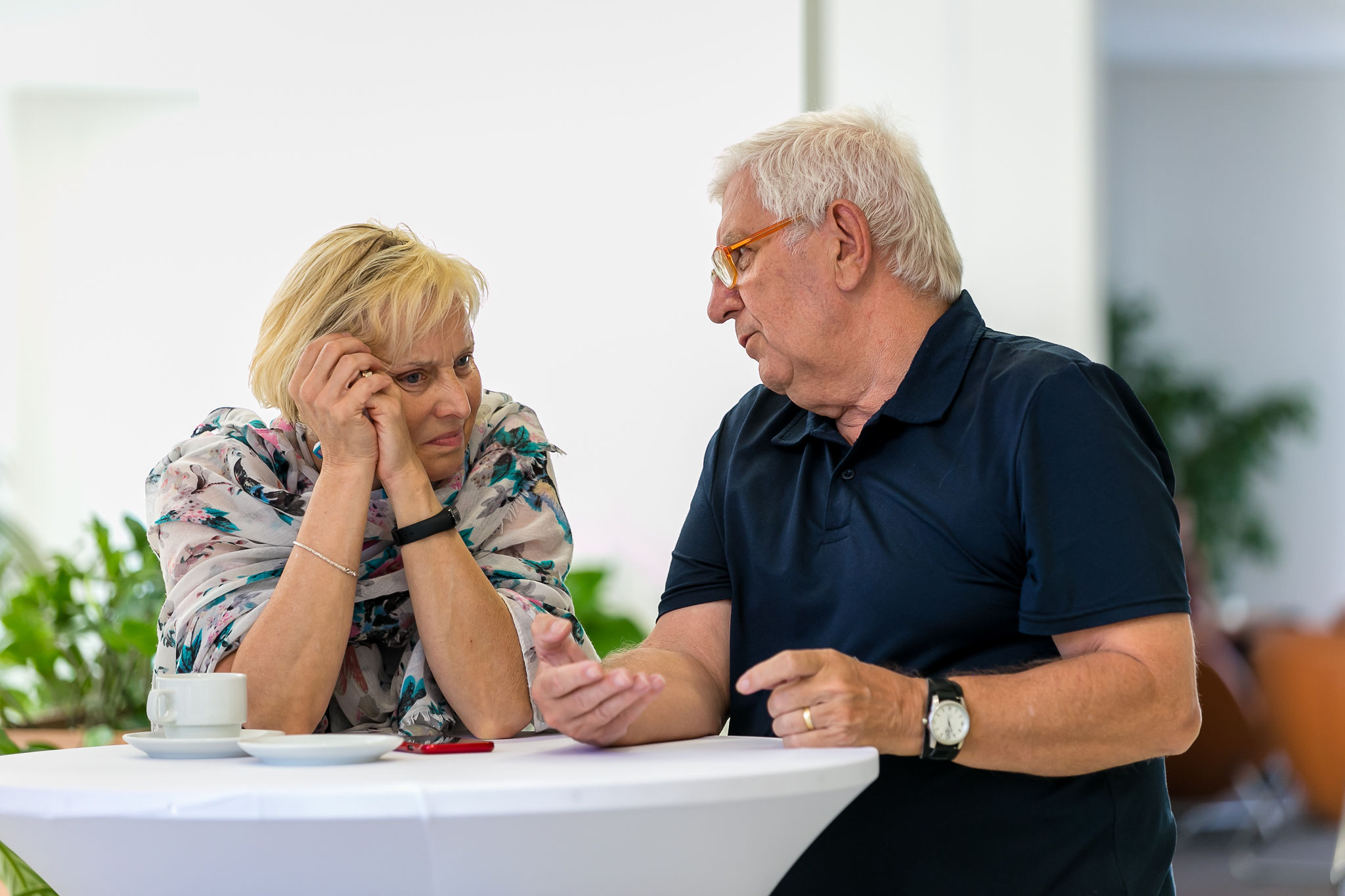 neformálne rozhovory účastníkov konferencie